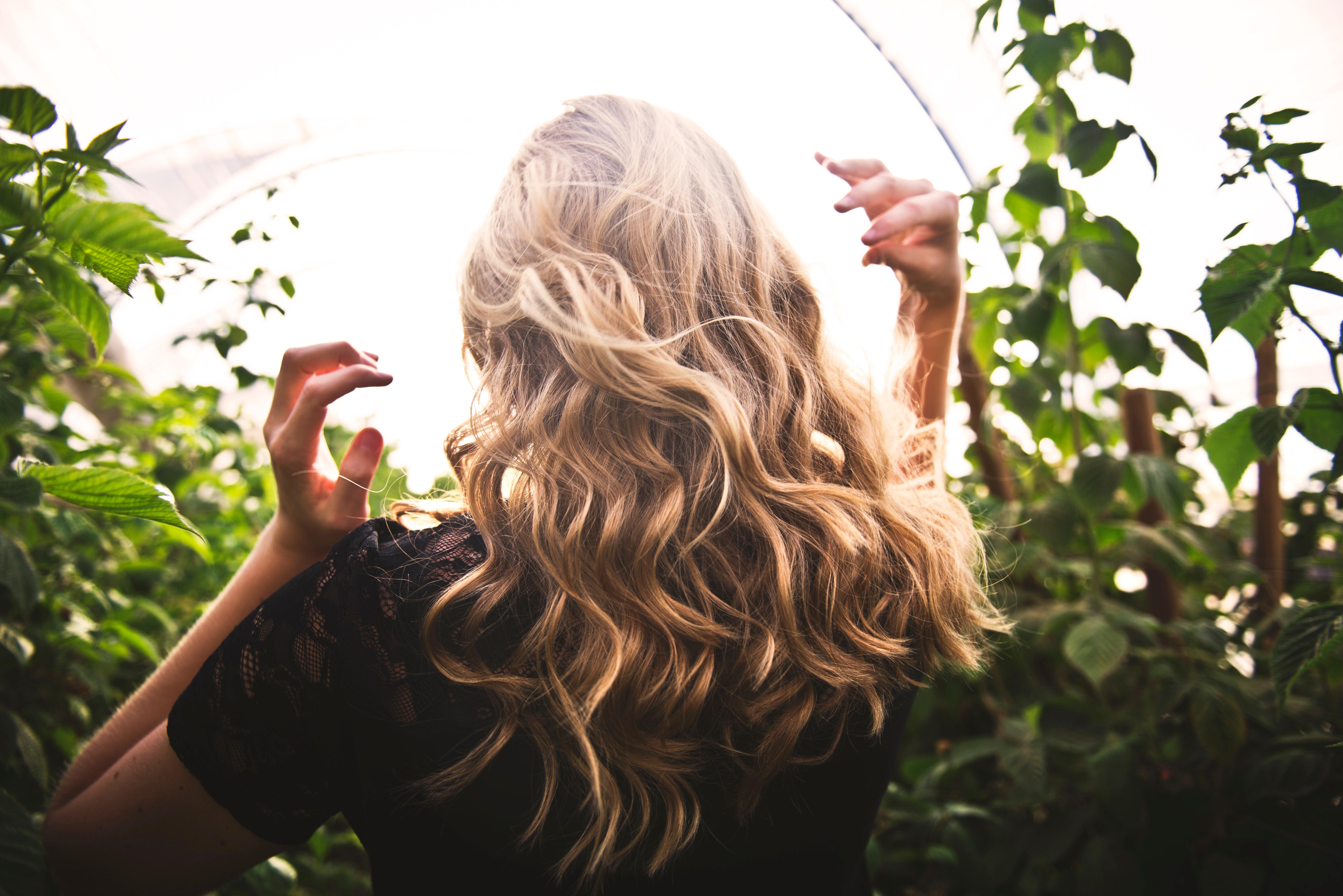 Wie mache ich Locken mit einem Glätteisen hair tutorials