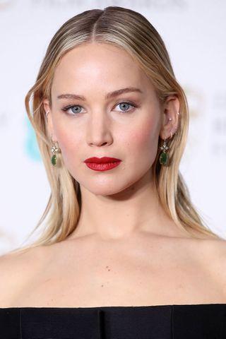 Jennifer Lawrence ovales Gesicht